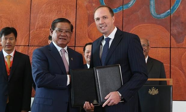 Immigrati: la Cambogia dice basta, ma incassa