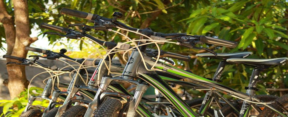 La Cambogia in bicicletta pedalando tra templi e risaie