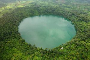 cratere-lago-yak-loum-tuttocambogia