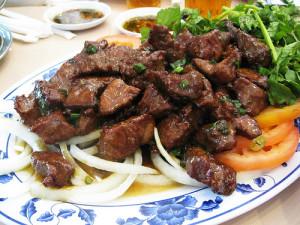 5 piatti della cucina cambogiana lok lak tuttocambogia