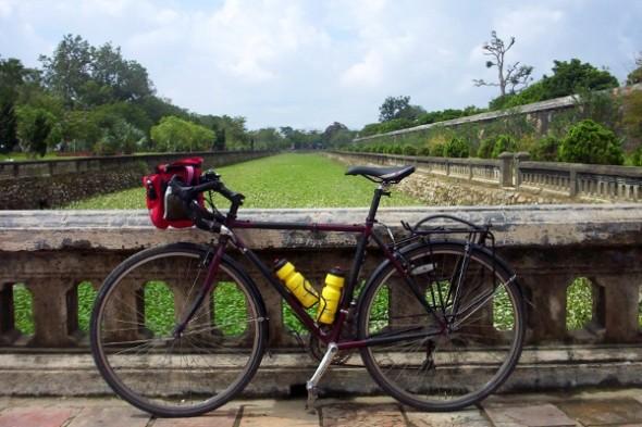5 itinerari avventurosi, pedalando ad Angkor e Siem Reap